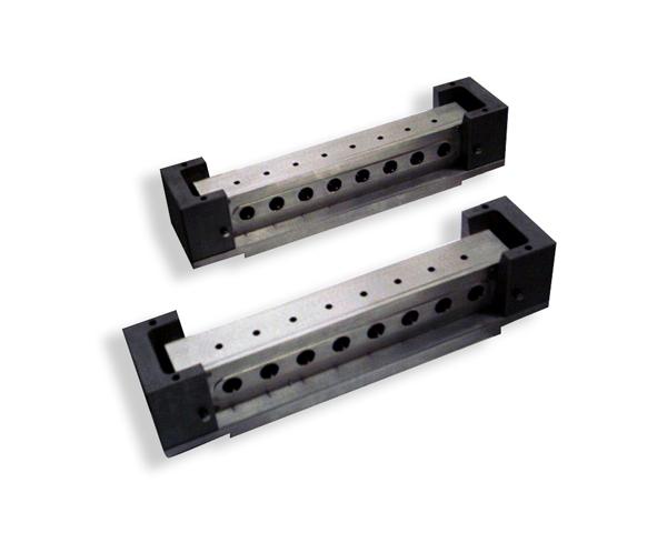 Particolare in acciao inox e alluminio per il settore farmaceutico in svizzera.